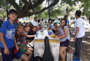 estudiantes en el xamena